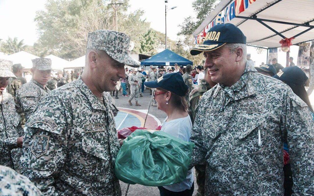 Infantes de Marina reciben Navidad anticipada en Barrancabermeja