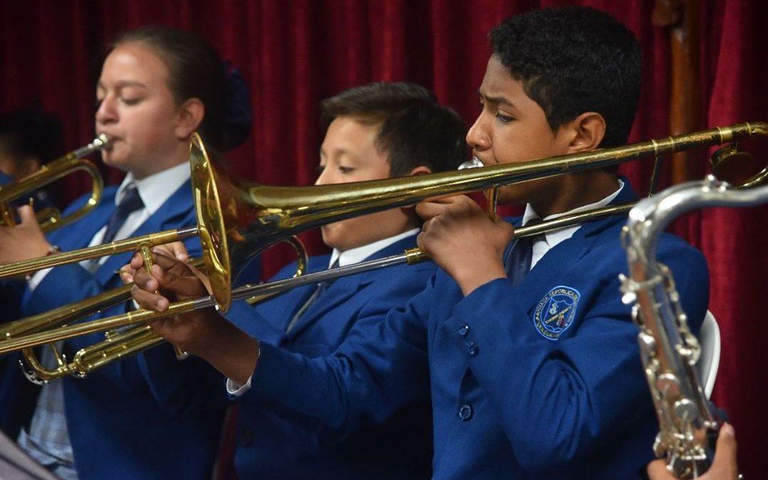 """Nuevo auditorio """"Polaris"""" para el Colegio Naval Santafé de Bogotá"""