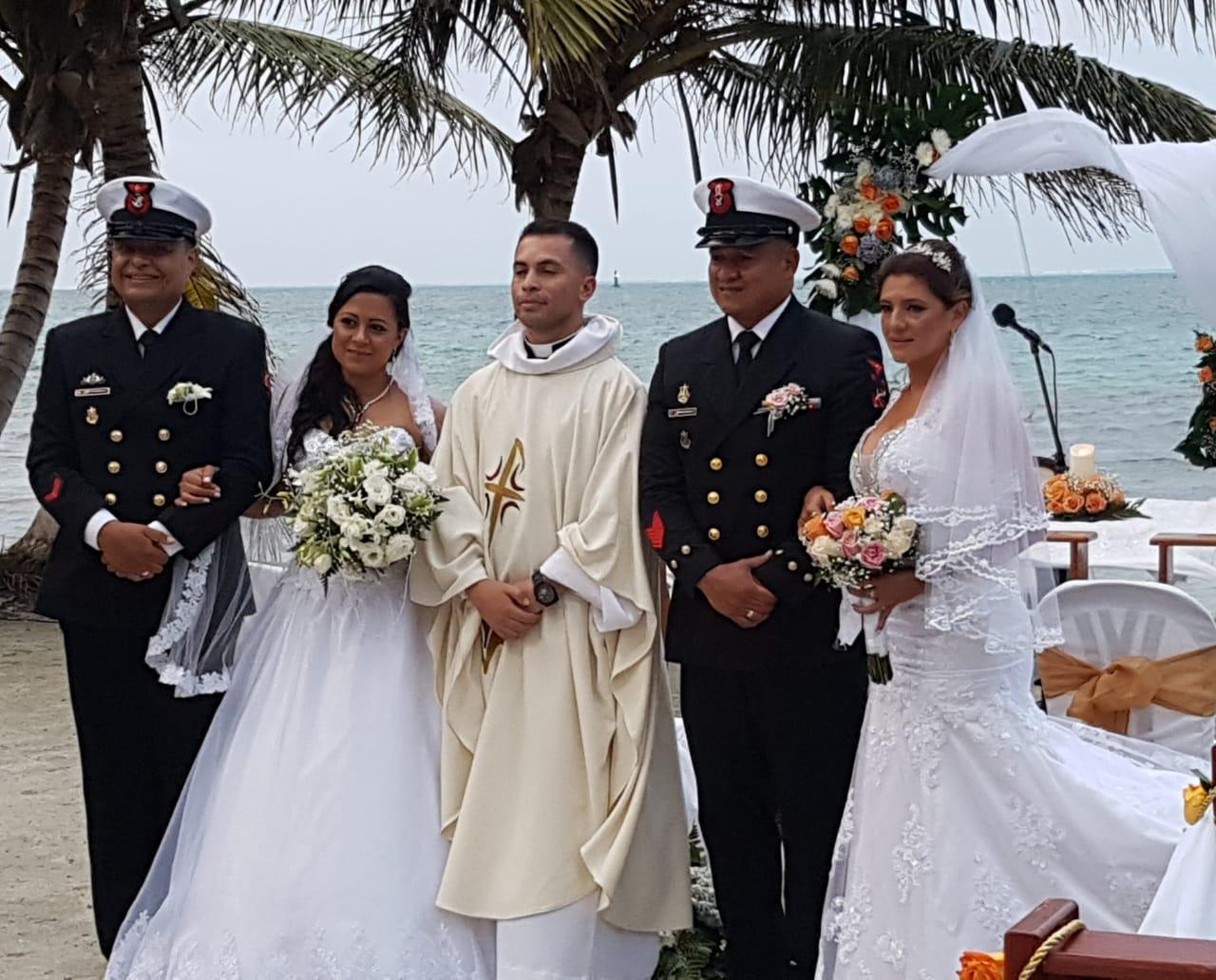 Matrimonios con el apoyo de la Acción Social Naval de San Andrés